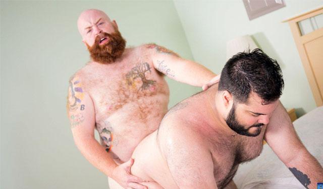 Big bears Skylar Cole and Tate Taylor fuck
