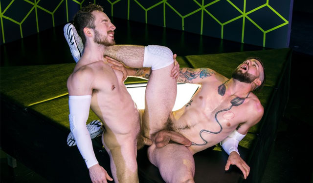 Hot studs Buck Richards and Eddie West flip-fuck