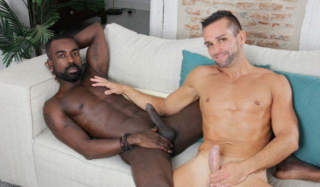 Hunk Peter Conner fucks Mikel Duke bareback