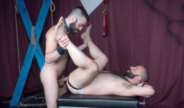 Hairy guys Nick Hole and John Lock fuck