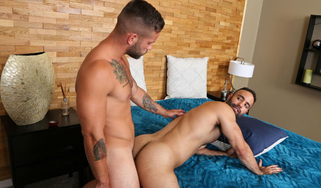 Lorenzo gets fucked by muscle hunk Bronson