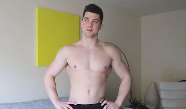Muscle jock Collin Simpson jerks off