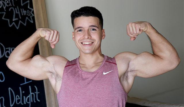 GayHoopla: Damian Romano jerks off