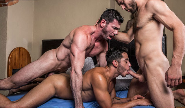 Hunks Billy, James and Drae in a hot raw threesome