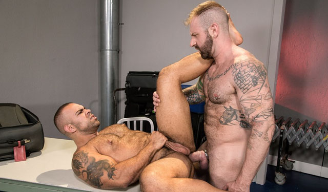 Raging Stallion: Aleks Buldocek fucks Lorenzo Flexx