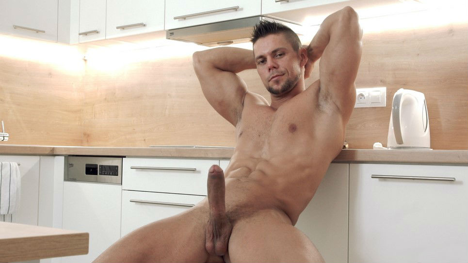 Muscle Jock Ennio Guardi jerks off