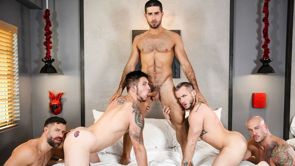 Hot jizz orgy with 5 muscle hunks