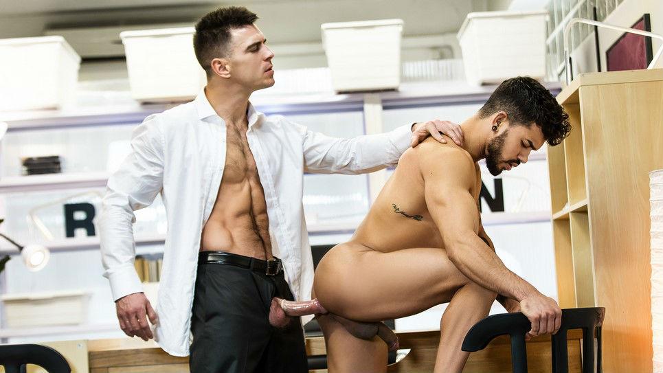 Paddy O'Brian puts Pietro Duarte ass to the test
