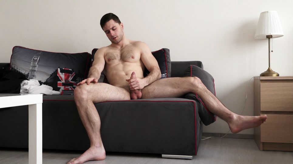 Sam Cuthan shows his amazing body