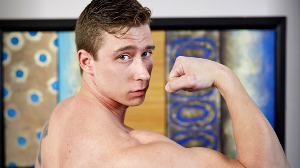 Muscle jock Flynn jerks off for Corbin Fisher