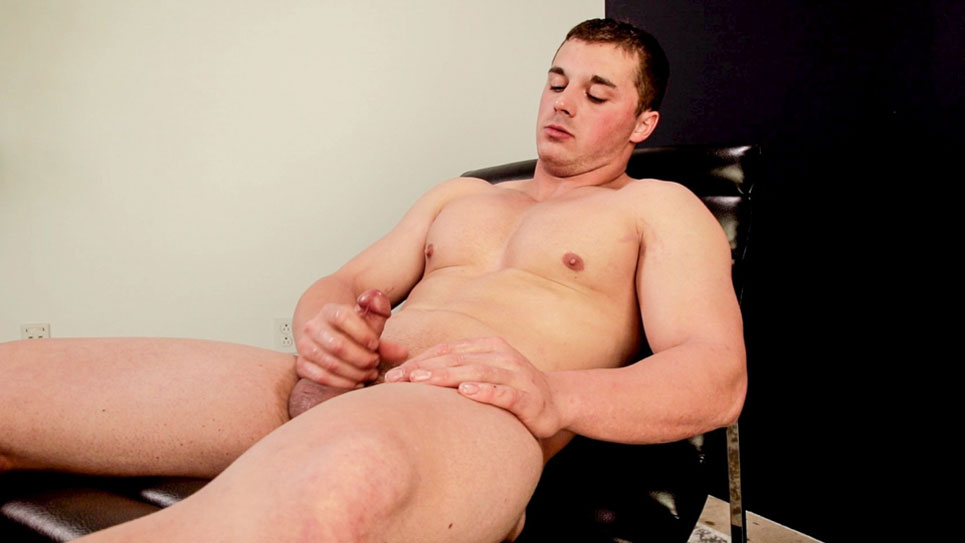 Bodybuilder Lucas Johnson debuts at Next Door Studios