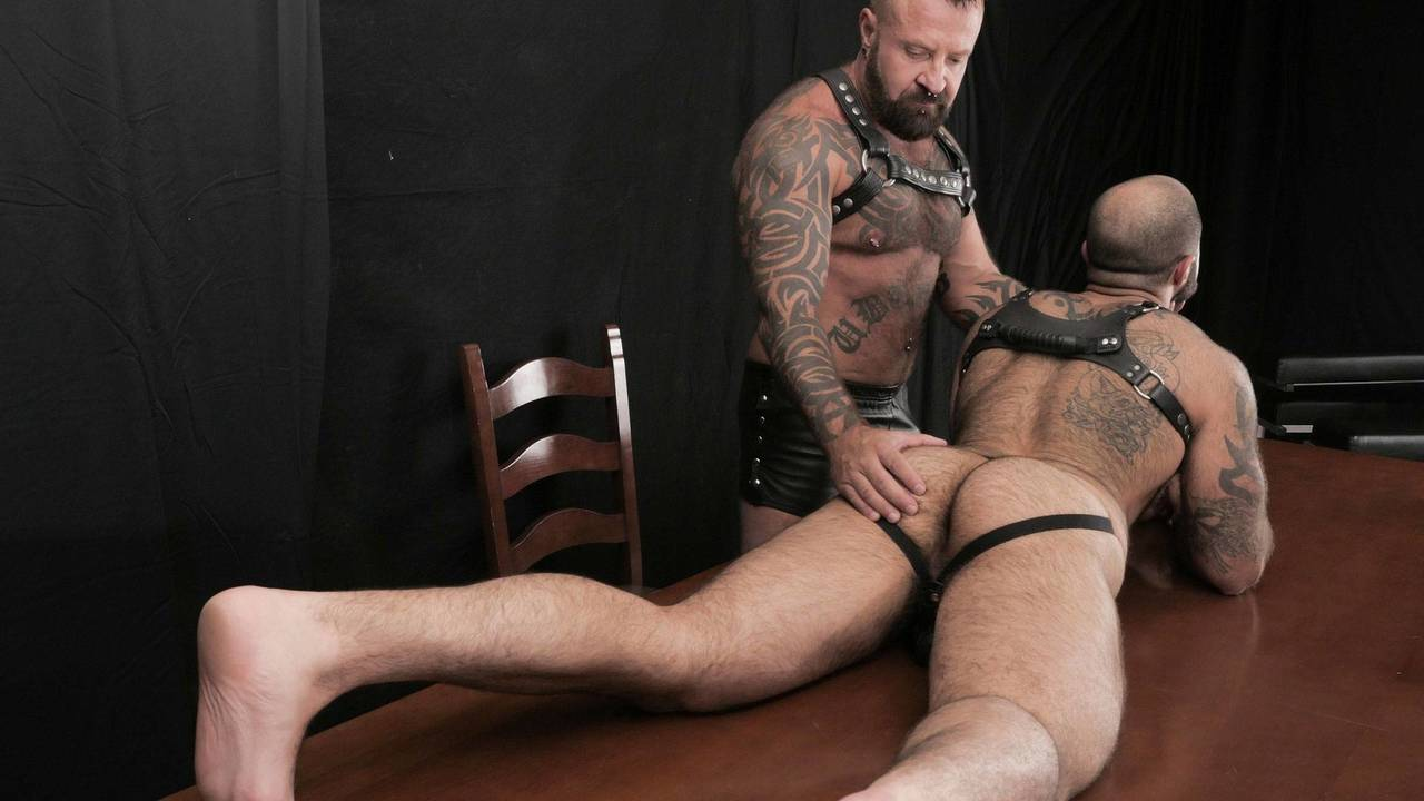Hairy & Raw: Marc Angelo barebacks Atlas Grant