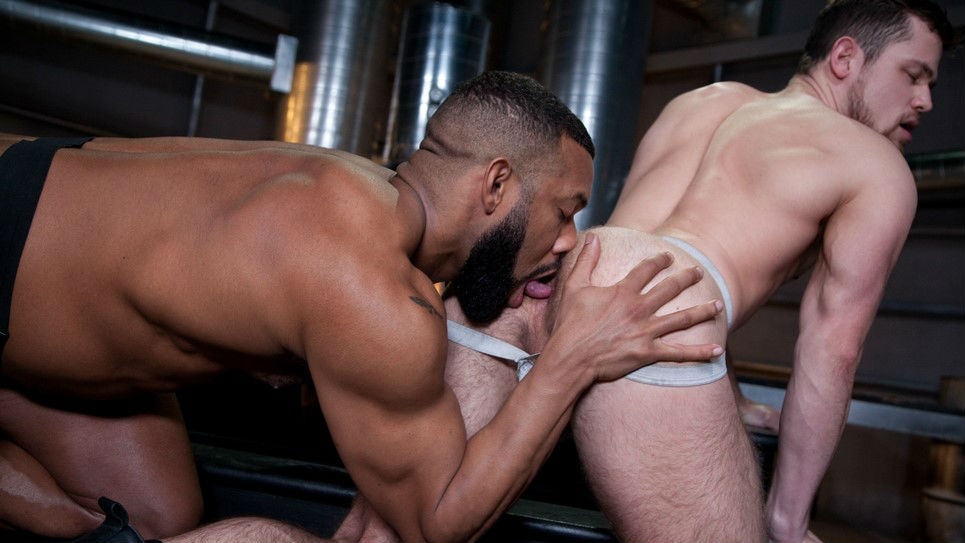 Jay Landford fucks the cum deep inside of Kurtis Wolfe
