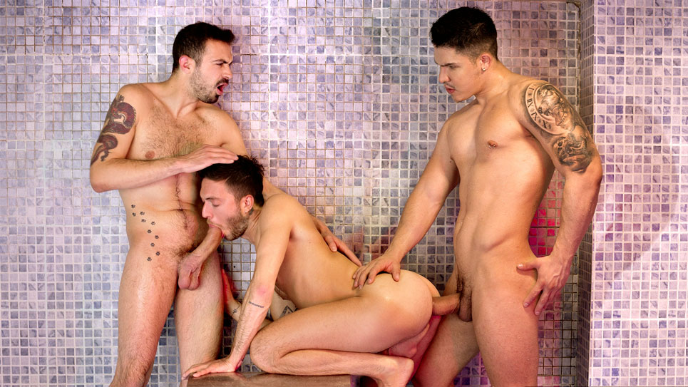 Rico Fatale gets fucked by Apolo Fire and Koldo Goran