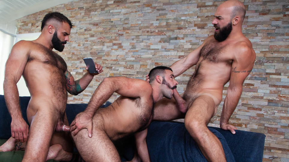 Drake Masters has a threeway with Max Duro and Carlos Lindo
