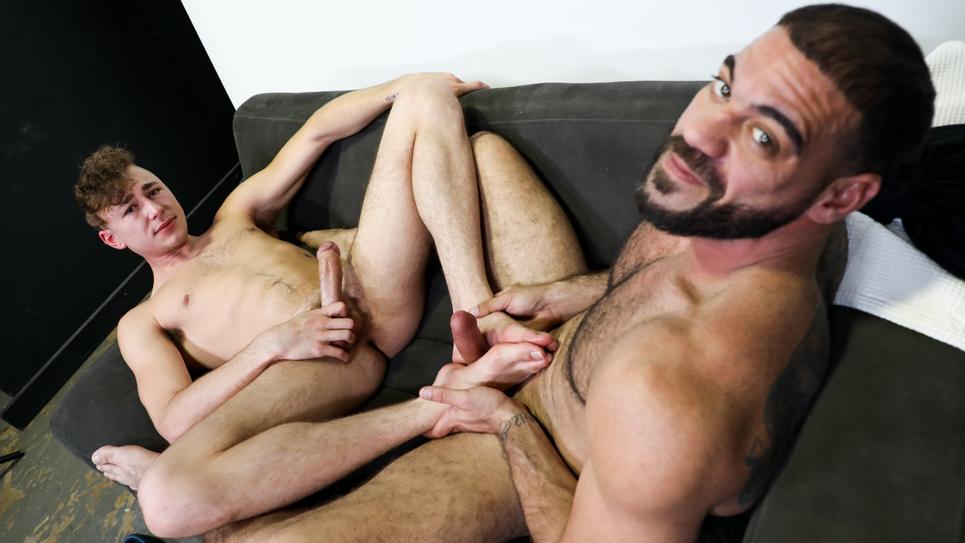 Ricky Larkin fucks Zander Lane's sexy feet