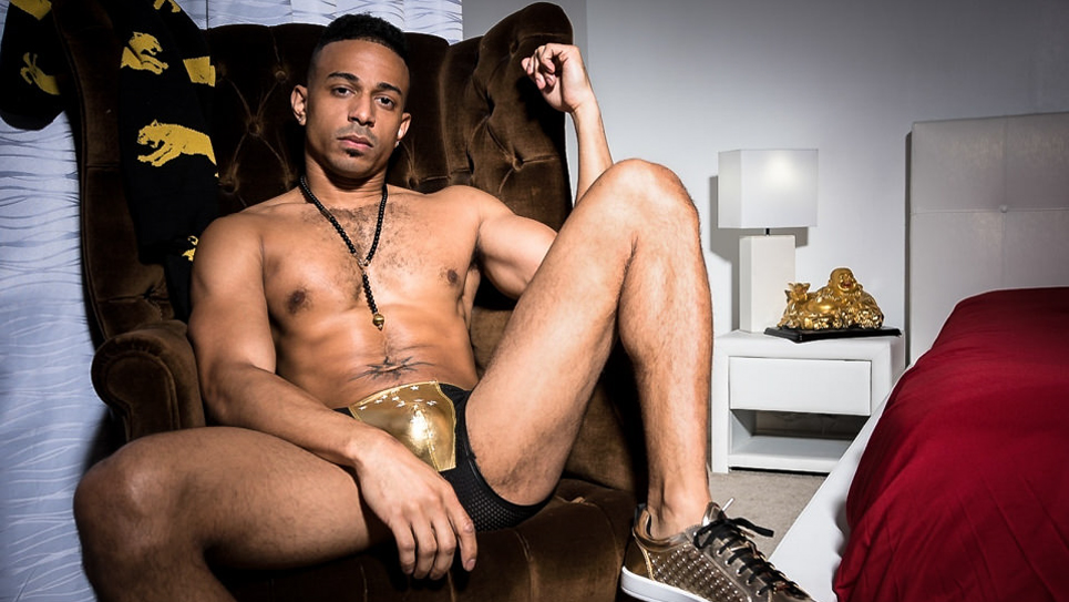 Zario Travezz has been named Man Of The Month at Noir Male